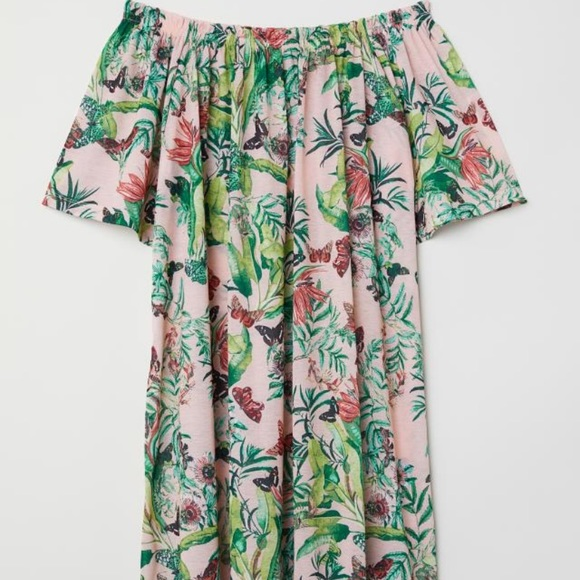 H&M Dresses & Skirts - H&M pink floral print dress with belt